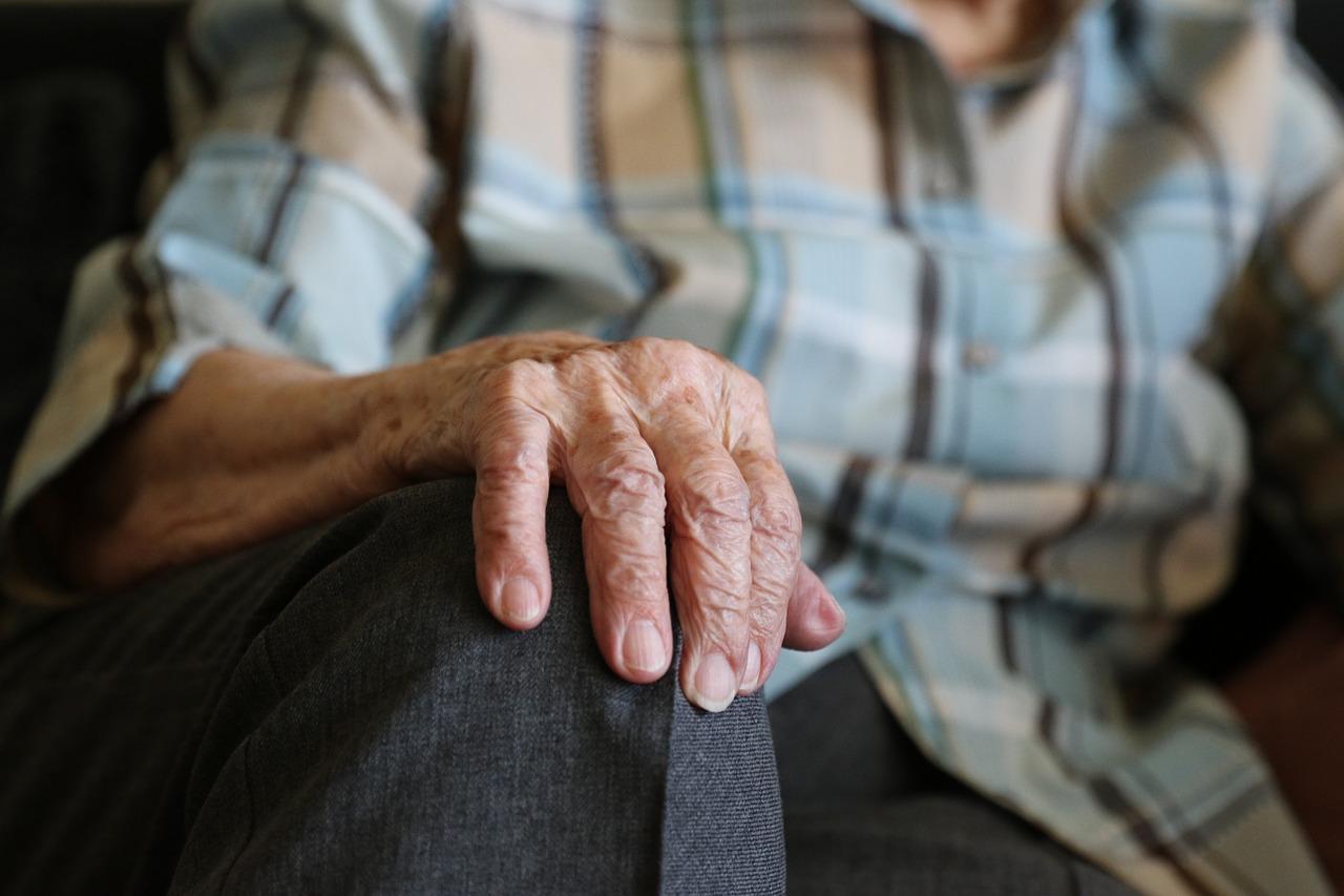 Comment bénéficier d'une aide ménagère quand on est retraité ?